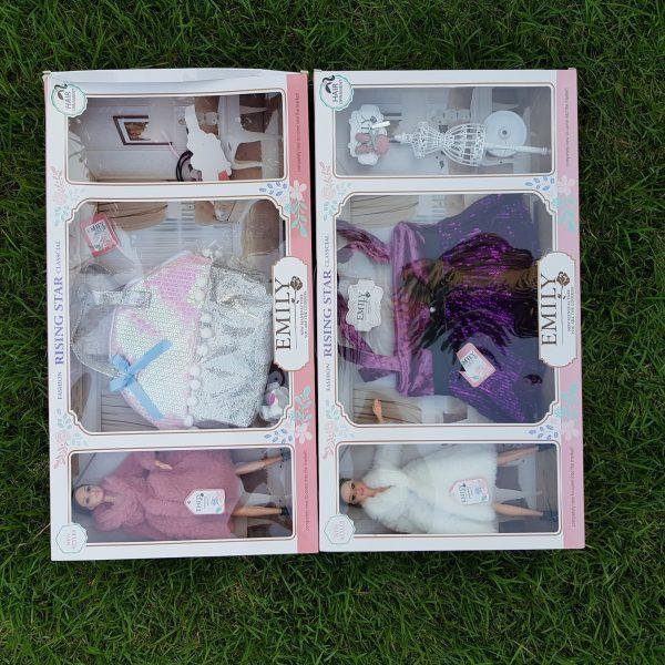 Boneca Emily Com Acessórios de Moda em Tamanho Real